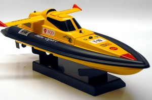 Mini Tracer RC Boat